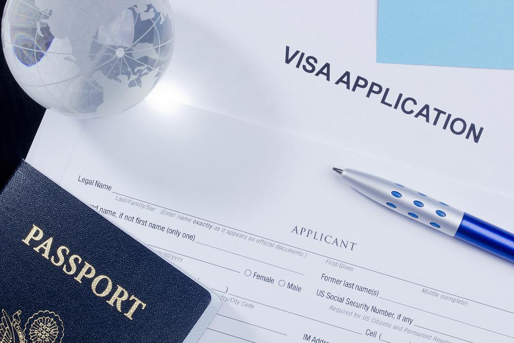 ¿Cómo puedo ayudar a mi prometido(a) a obtener la residencia permanente de los Estados Unidos?