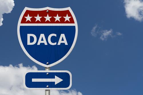 Usted Puede Presentar una Petición de DACA Si: